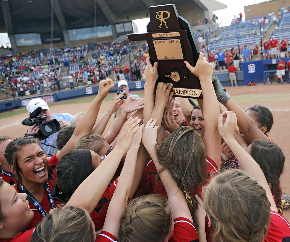Tulsa Union celebrates the win over Broken Arrow in the Class 6A Oklahoma State High School Slow Pitch Softball Championship at ASA Hall of Fame Stadium in Oklahoma City, Wednesday, May 1, 2013. Photo by Chris Landsberger, The Oklahoman