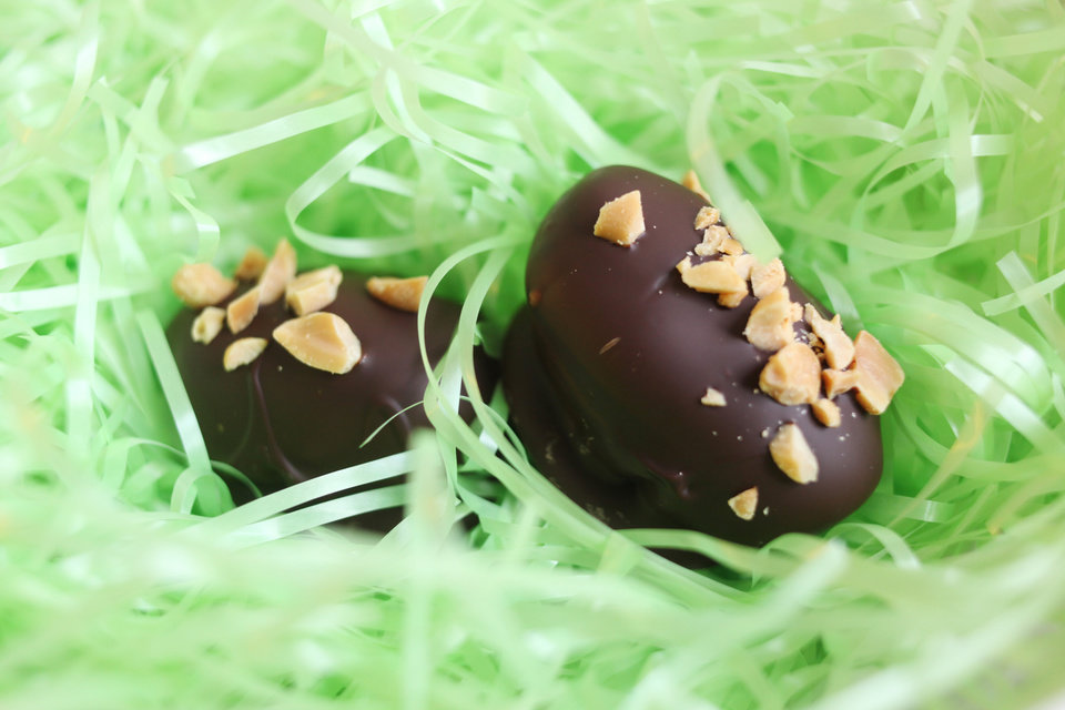 Photo - Peanut Butter Easter Eggs can be made with smooth or crunchy peanut butter. (Juli Leonard/Raleigh News & Observer/MCT)