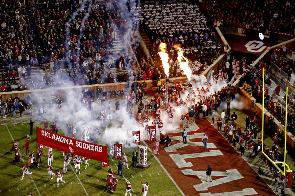 Photo - during an NCAA football game between the University of Oklahoma Sooners (OU) and the TCU Horned Frogs at Gaylord Family-Oklahoma Memorial Stadium in Norman, Okla., Saturday, Nov. 23, 2019. Oklahoma won 28-24. [Bryan Terry/The Oklahoman]