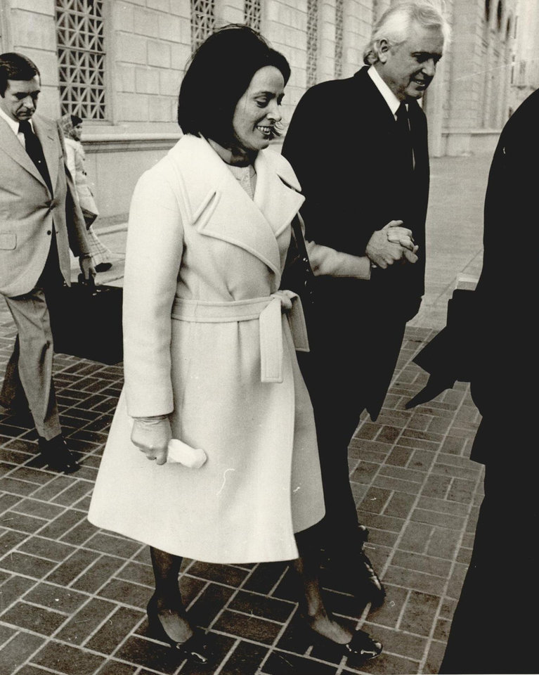 Photo - Former Gov. David Hall arrives at the federal courthouse with his wife, Jo, in 1975. [Photo by Jim Argo, The Oklahoman Archives]
