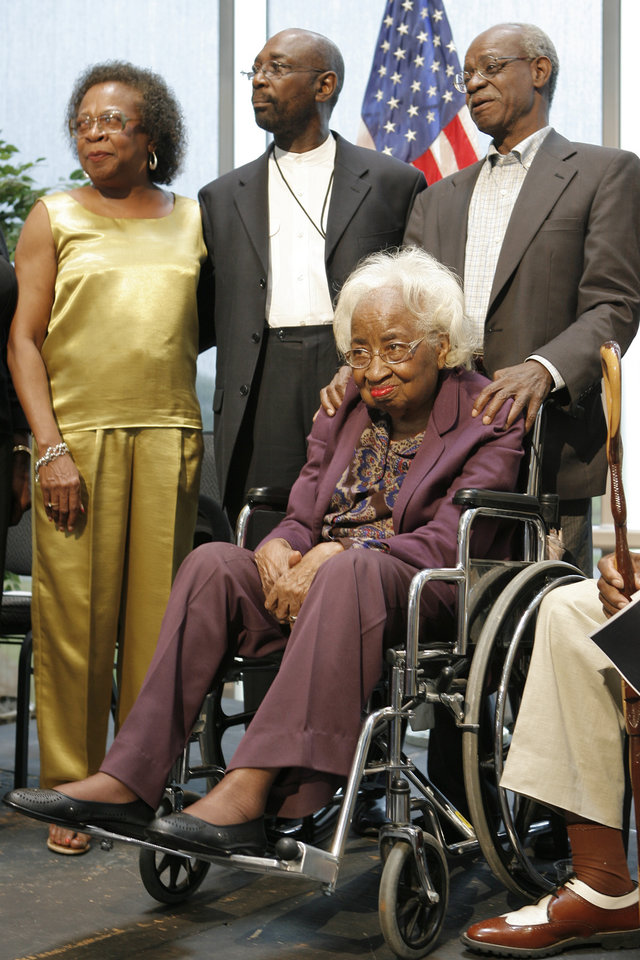 Photo - MARILYN HILDRETH, CIVIL RIGHTS LEADER: Clara Luper, seated, poses for a photo with her daughter Marilyn, Roosevelt Milton, Oklahoma City Chapter of the NAACP, and her son Calvin Luper, at a 50th anniversary program of the Katz Drug Store sit-in at the History Center, Tuesday, August, 19, 2008. Photo by David McDaniel, The Oklahoman  ORG XMIT: KOD