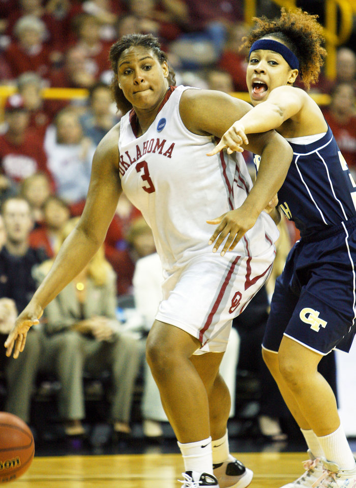 Photo - Courtney Paris, left, had six blocks against Georgia Tech.  PHOTO BY STEVE SISNEY, THE OKLAHOMAN