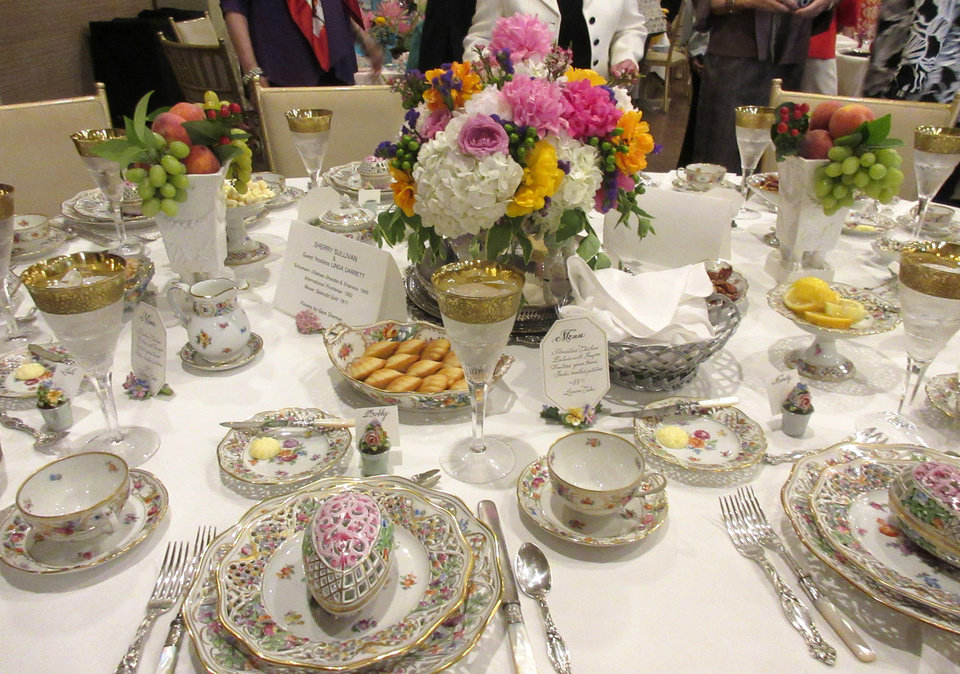 Photo - Sherry Sullivan's table, with  guest hostess Linda Garrett, using German Dresden china. HELEN FORD WALLACE PHOTO, THE OKLAHOMAN