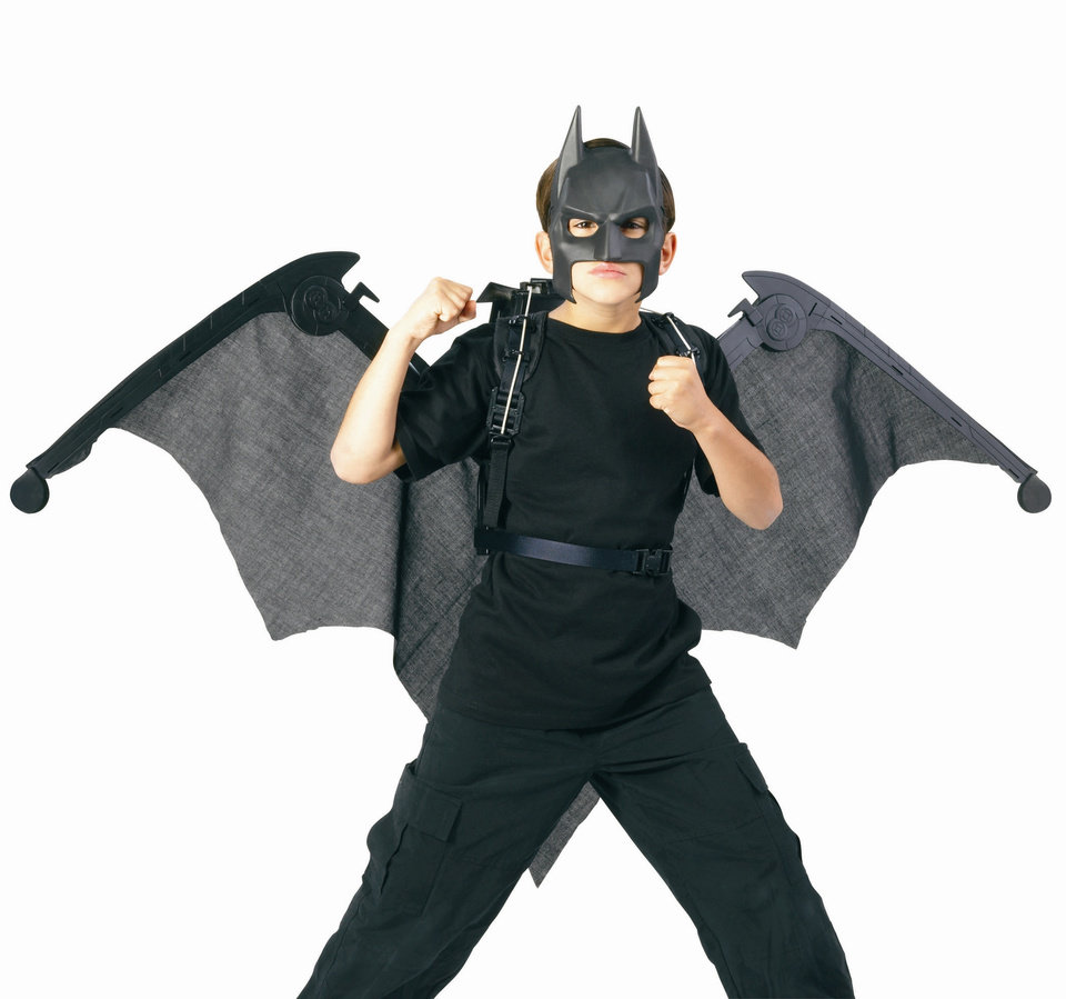 Photo - Batman: The Dark Knight Mega Cape: The cape can rapidly expand to a 5-foot wingspan or retract into a convenient back harness for run-around play. PHOTO PROVIDED    ORG XMIT: 0902231617334119