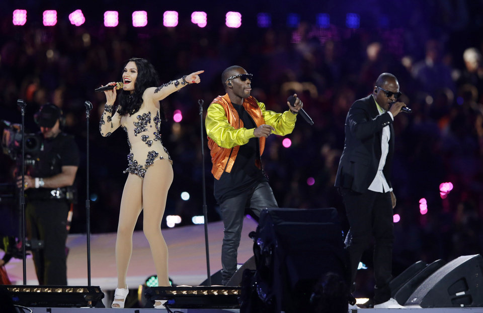 Photo -   British singer Jessie J, second left, performs during the Closing Ceremony at the 2012 Summer Olympics, Sunday, Aug. 12, 2012, in London. (AP Photo/Matt Slocum)