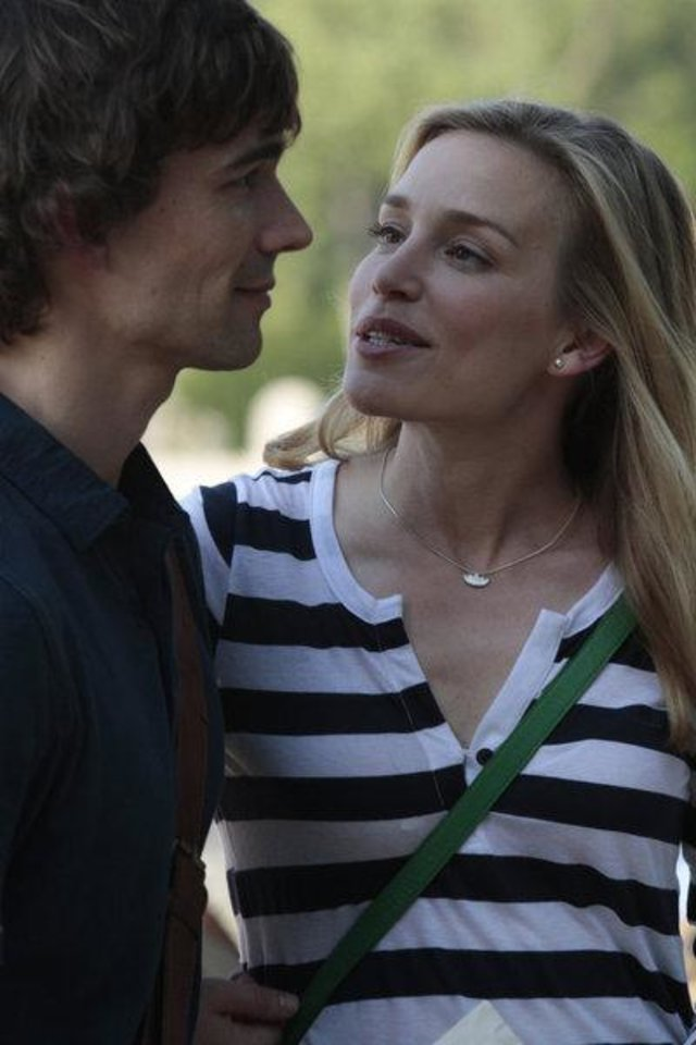 COVERT AFFAIRS -- Episode -- Pictured: (l-r) Christopher Gorham as Auggie Anderson, Piper Perabo as Annie Walker -- Photo by: Giovanni Rufino/USA Network