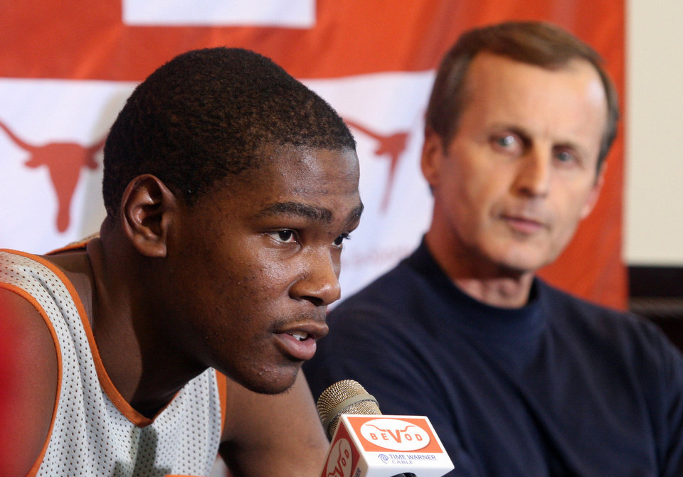 Texas basketball coach Rick Barnes, left, sang the praises of Kevin Durant, his former player, on Thursday. AP ARCHIVE PHOTO Jack Plunkett