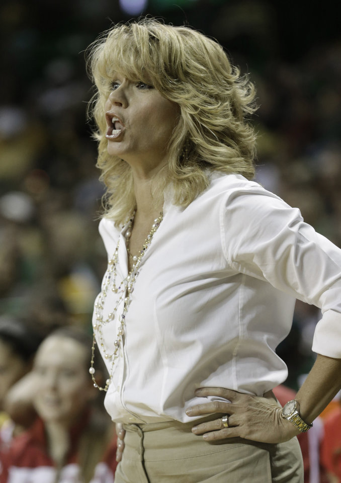 Oklahoma coach Sherri Coale yells from the sideline during the first half half of an NCAA college basketball game against Baylor, Saturday, Jan. 26, 2013, in Waco Texas.  Baylor won 82-65. (AP Photo/LM Otero) ORG XMIT: TXMO110