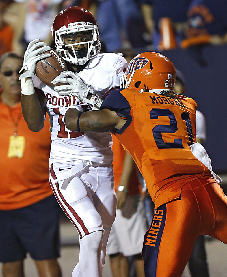 Oklahoma Sooners wide receiver Trey Metoyer (17) makes a catch in front of UTEP's Derreck morgan (21) during the college football game between the University of Oklahoma Sooners (OU) and the University of Texas El Paso Miners (UTEP) at Sun Bowl Stadium on Saturday, Sept. 1, 2012, in El Paso, Tex.The catch was ruled out of bounds.  Photo by Chris Landsberger, The Oklahoman