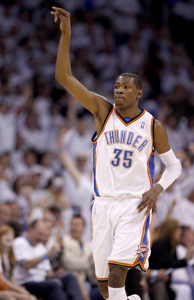 Photo - GAME FOUR / L.A. LAKERS / CELEBRATION: Oklahoma City's Kevin Durant celebrates during the NBA basketball game between the Los Angeles Lakers and the Oklahoma City Thunder in the first round of the NBA playoffs at the Ford Center in Oklahoma City, Saturday, April 24, 2010. Photo by Sarah Phipps, The Oklahoman ORG XMIT: KOD