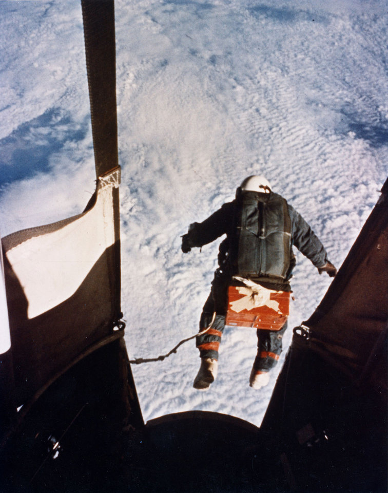 Photo -   FILE - In this Aug. 16, 1960, file photo provided by the U.S. Air Force, Col. Joe Kittinger steps off a balloon-supported gondola at an altitude of 102,800 feet. In freefall for 4.5 minutes at speeds up to 614 mph and temperatures as low as -94 degrees Fahrenheit, he opened his parachute at 18,000 feet. On Tuesday, Oct. 9, 2012, if winds allow, in the desert surrounding Roswell, N.M., pilot Felix Baumgartner will attempt to break Kittinger's world record for the highest and fastest free fall. (AP Photo/U.S. Air Force, File)