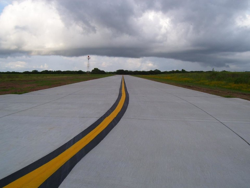 New taxiway at Guthrie Municipal Airport Community Photo By: Jimmy J Submitted By: jimmy, guthrie