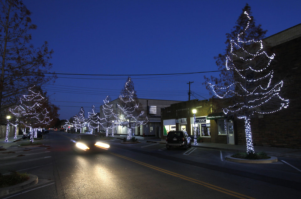 Edmond spent almost $43,000 to replace the city's Christmas lights and have the decorations installed this holiday season. PHOTO BY DAVID MCDANIEL, THE OKLAHOMAN