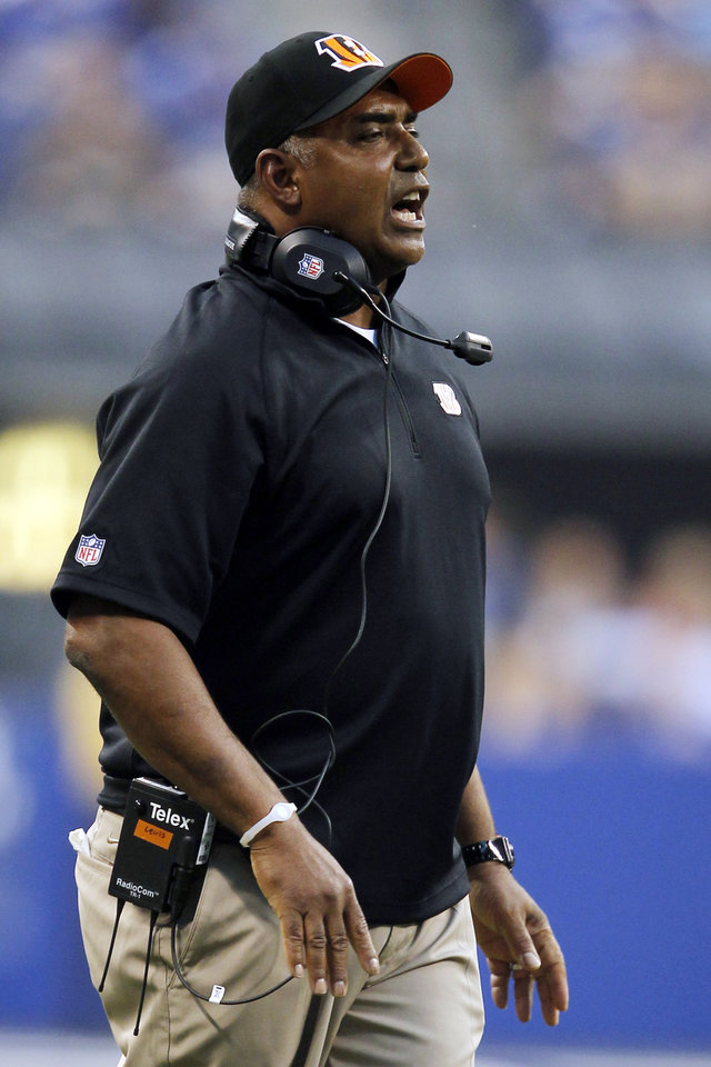 Photo -   Cincinnati Bengals head coach Marvin Lewis yells to his team after they scored a touchdown against the Indianapolis Colts in the first half of an NFL preseason football game in Indianapolis, Thursday, Aug. 30, 2012. (AP Photo/John Sommers II)