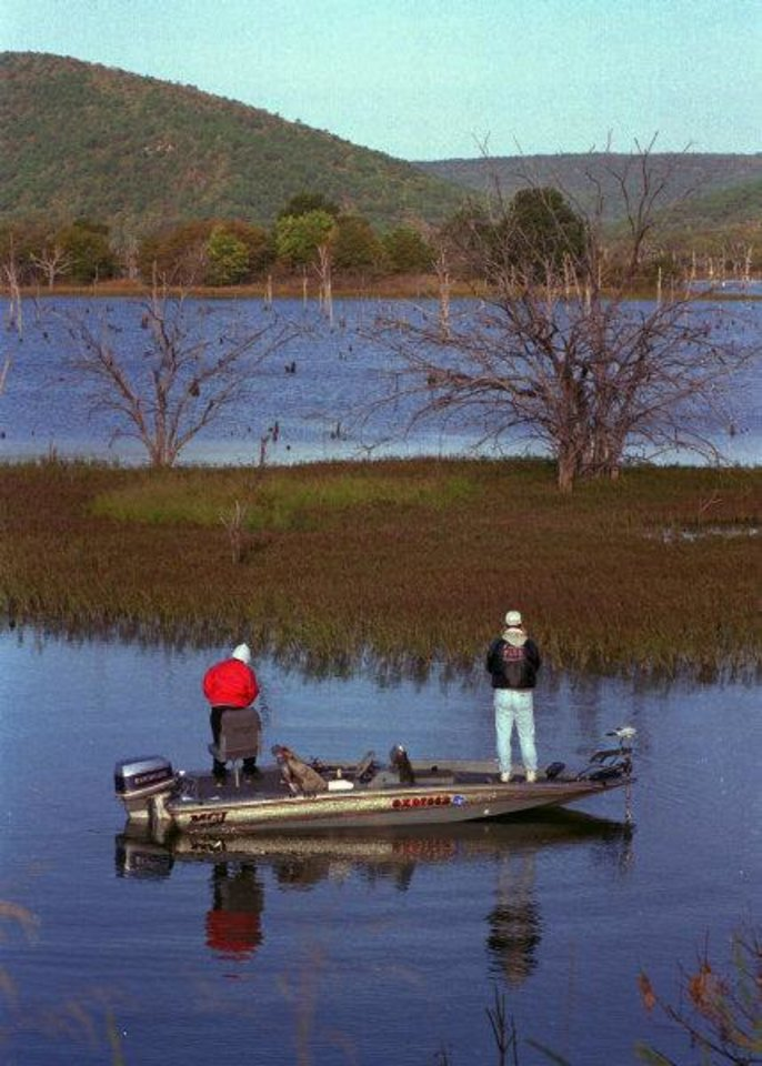 Photo - Conflicting claims to water rights in  southeastern Oklahoma's Sardis Lake will be watched by the public to see if state officials and Indian tribes can resolve their differences through negotiations or whether adjudication will be requiired.  JIM ARGO - THE OKLAHOMAN