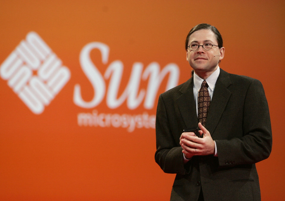Photo -   FILE - In this Oct. 25, 2006 file photo, Sun Microsystems CEO Jonathan Schwartz gives a keynote address at Oracle Open World conference in San Francisco. Social media offer new opportunities for pithy farewells to zing around the world in an instant. Schwartz managed a classic of the genre when he quit his job in a philosophical tweeted haiku in 2010: