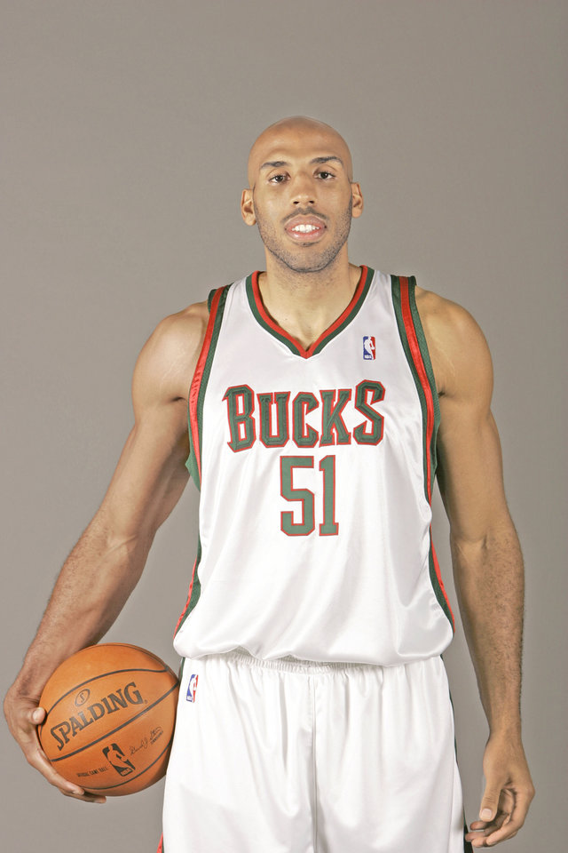 Photo - Milwaukee Bucks' Michael Ruffin is seen during the team's NBA basketball media day  Friday, Oct. 05,2007, in St. Francis, Wis. (AP Photo/Morry Gash) ORG XMIT: NYEOTK