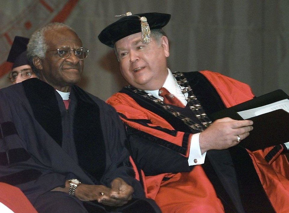 Photo - THE MOST REVEREND DESMOND TUTU AND OU PRESIDENT DAVID BOREN AT THE LLOYD NOBLE CENTER. TUTU SPOKE AT THE 2000 ACADEMIC CONVOCATION.