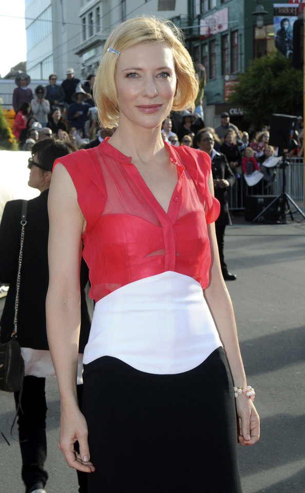 Photo -   Cast member Cate Blanchett poses on the red carpet at the premiere of