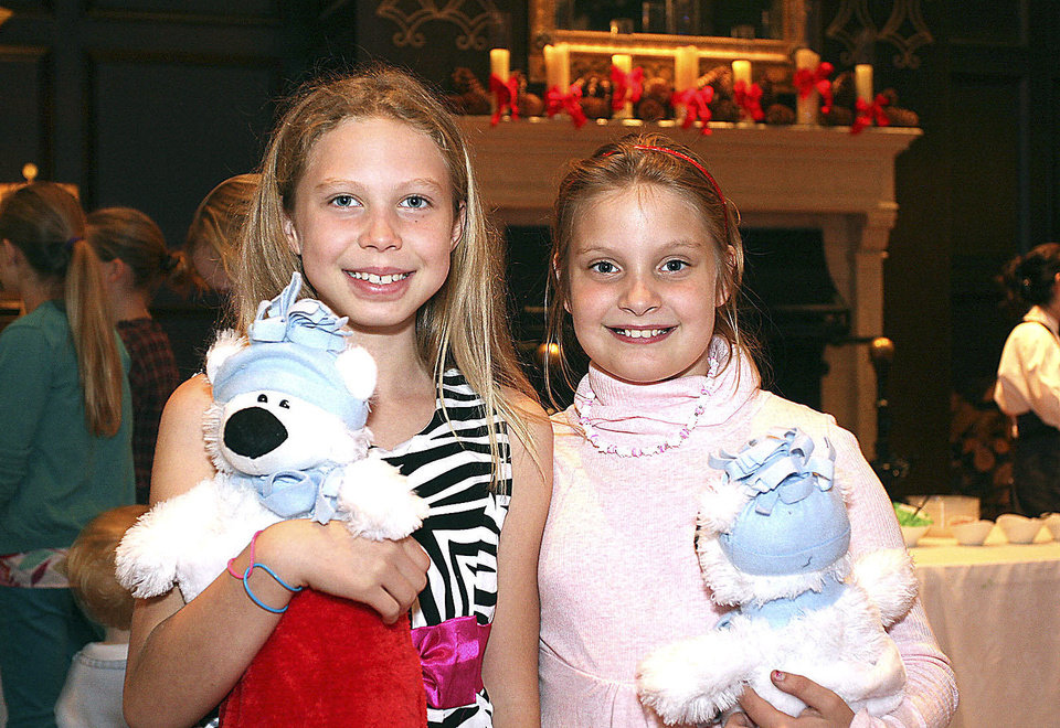Photo - Camryn Balch, 9, and Emilie Boudin,9.