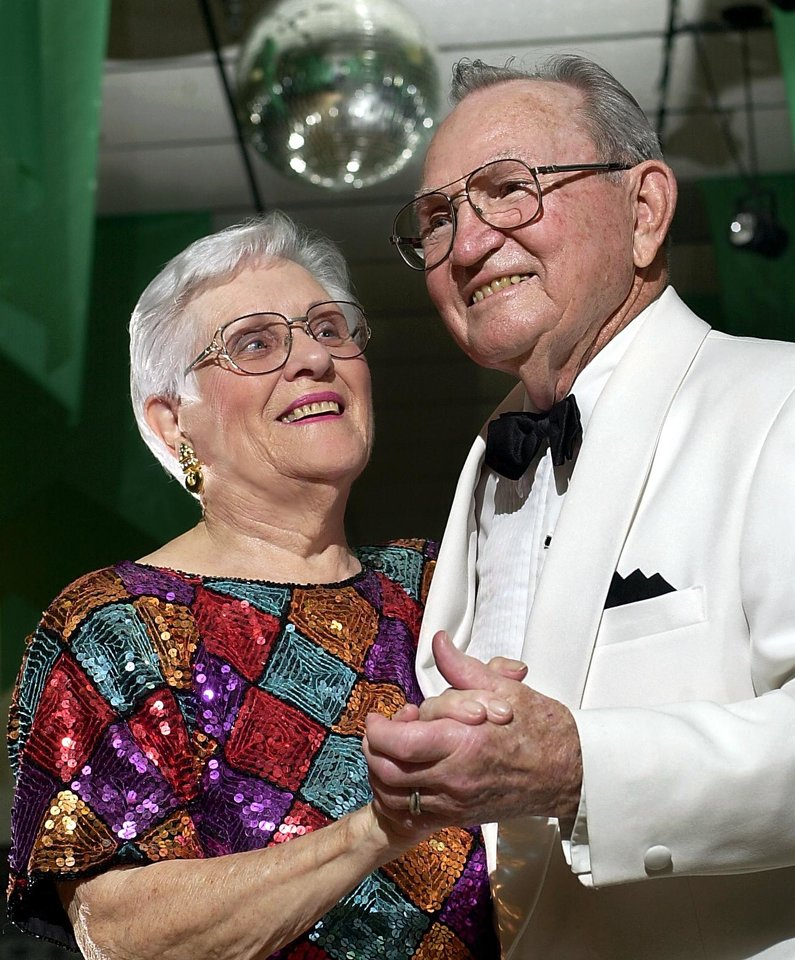 Photo -  Edna and Dick Lutz in 2003.  Photo by Jim Beckel, The Oklahoman Archives   JIm Beckel