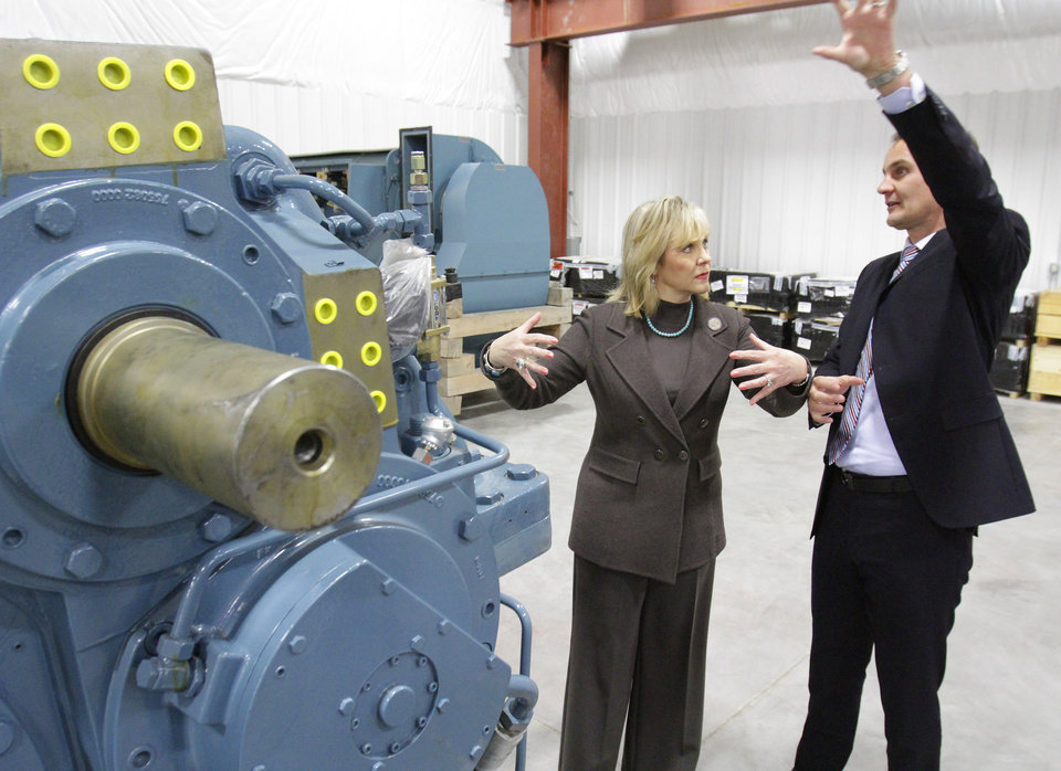 Governor Mary Fallin gets a tour of Siemens new wind turbine parts warehouse in Woodward from CEO Tim Holt, Thursday,  February 16, 2012.   Photo by David McDaniel, The Oklahoman