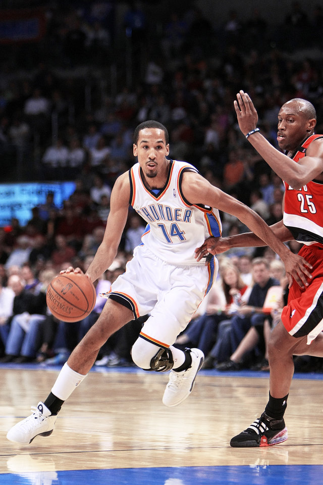 The Thunder and guard Shaun Livingston, left, will play their final game of the season Wednesday in the same place where Livingston's career began and nearly ended with a brutal knee injury. Photo by Hugh Scott, The Oklahoman