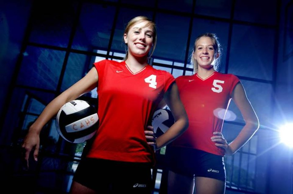 Carl Albert High School girls volleyball players Emily Goff, left, and Sallie McLaurin pose for a portrait at Carl Albert high school, Tuesday, Sept. 2, 2008.  BY BRYAN TERRY, THE OKLAHOMAN