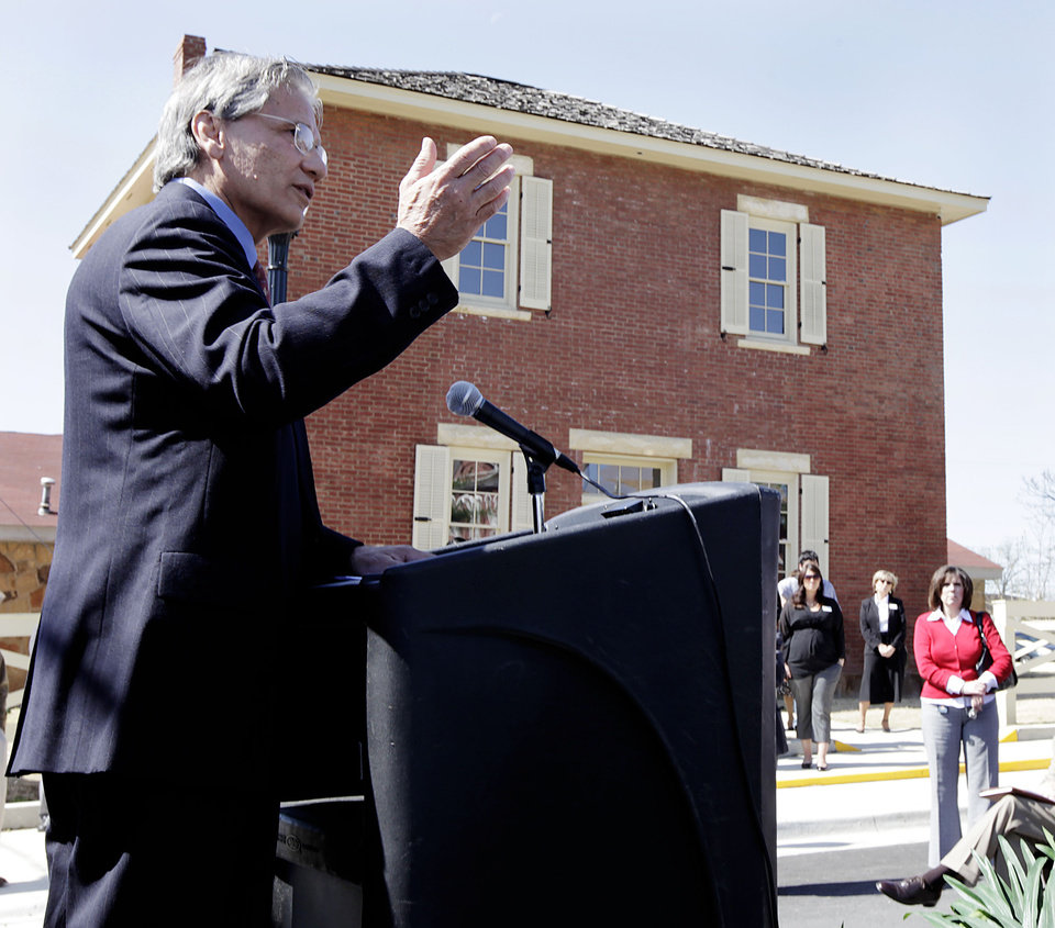 Photo - RENOVATE / RENOVATION / RENOVATED: Principal Chief Chad Smith speaks during a ribbon-cutting ceremony for the Cherokee National Supreme Court Museum April 7, 2010. MIKE SIMONS/Tulsa World ORG XMIT: DTI1004071439401811