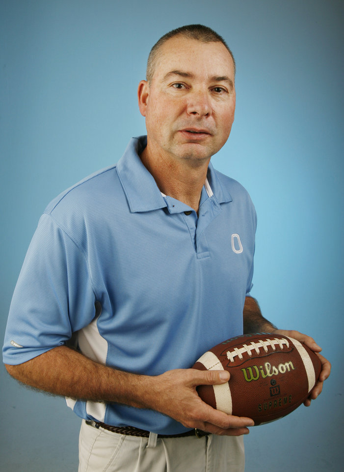 Photo - HIGH SCHOOL FOOTBALL:  Jeff Wardlaw, Okeene coach, poses for a photo in the OPUBCO studio for The Oklahoman's All-State Football Team, in Oklahoma City, Wednesday, Dec. 12, 2007. By Nate Billings, The Oklahoman ORG XMIT: KOD ORG XMIT: OKC0712181508533573 ORG XMIT: OKC0712181508533529