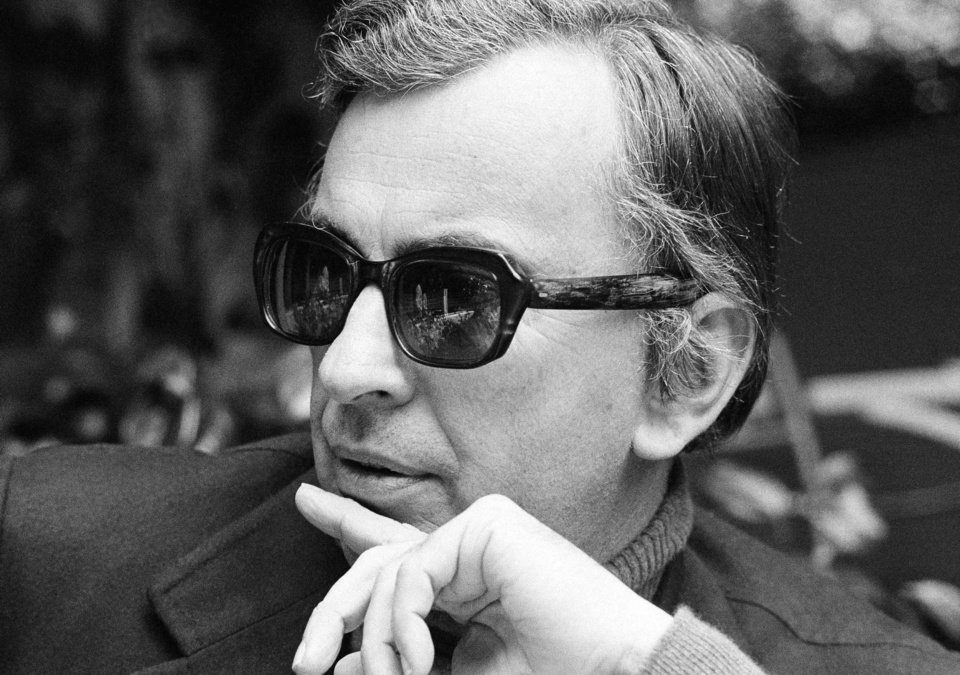 Photo - FILE - In this Dec. 9, 1974 file photo, author Gore Vidal tosses barbs in all directions as he discusses Hollywood unions, politics, lecturing and publicizing books during an interview in Los Angeles. Vidal died Tuesday, July 31, 2012, at his home in Los Angeles. He was 86. AP photo  GB - AP