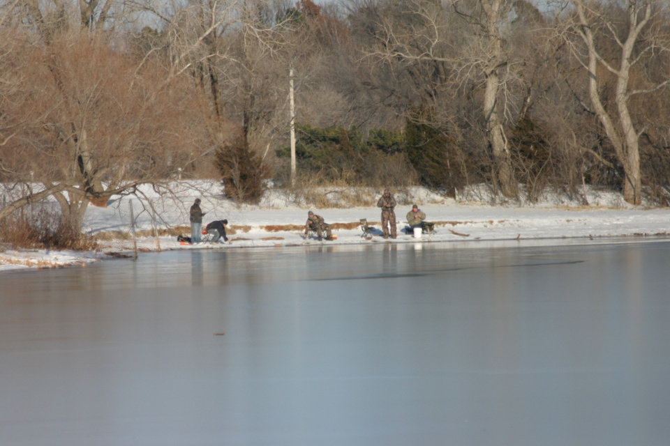 COLD Fishing at Dolese Park Jan.15, 06<br/><b>Community Photo By:</b> Tracy Cole<br/><b>Submitted By:</b> tracy, Warr Acres