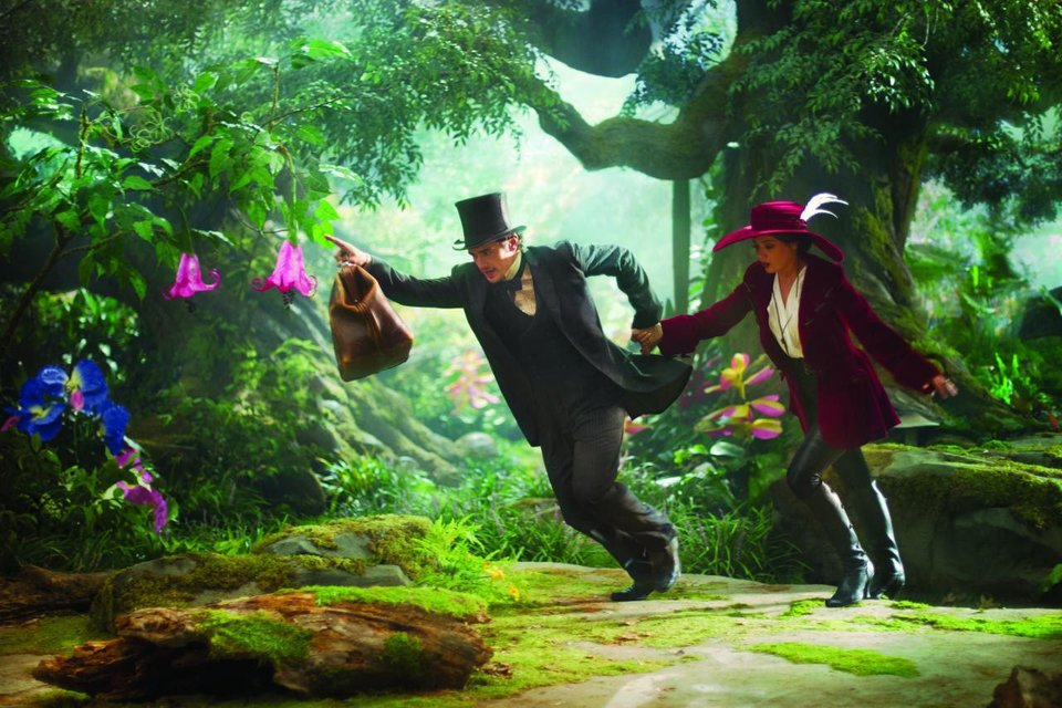 """James Franco plays Oz and Mila Kunis plays Theodora in """"Oz the Great and Powerful."""" Walt Disney Pictures photo <strong></strong>"""