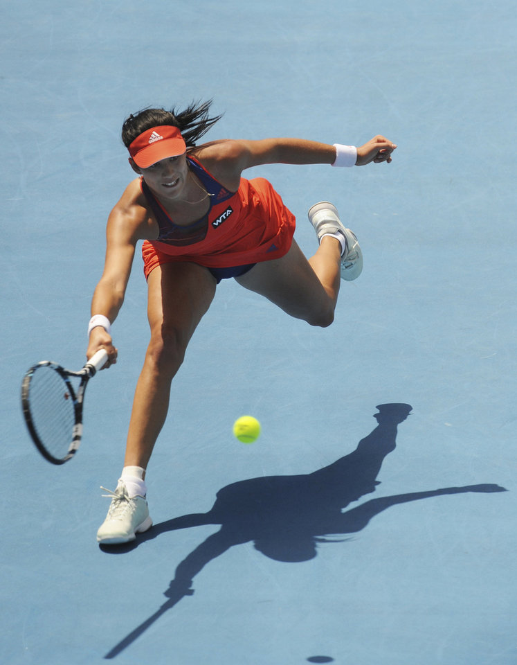 Photo - Spain's Garbine Muguruza returns a shot against the Czech Republic's Klara Zakopalova during the final of the WTA Hobart International Tennis Tournament in Hobart, Australia, Saturday, Jan, 11, 2014. Muguruza won 6-4, 6-0. (AP Photo/Chris Crerar)