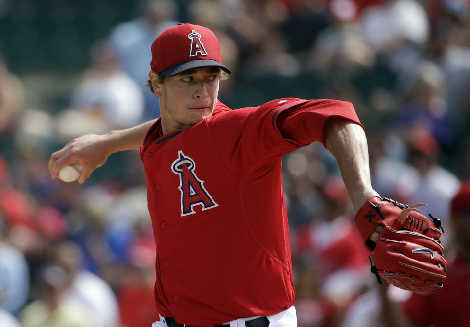 Photo - Los Angeles Angels's Garrett Richards throws during the first inning of an exhibition spring training baseball game against the Chicago White Sox, Thursday, March 13, 2014, in Tempe, Ariz. (AP Photo/Morry Gash)