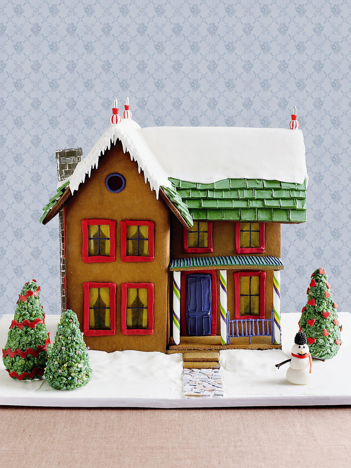 Photo - A gingerbread house    ORG XMIT: 0812212235033664