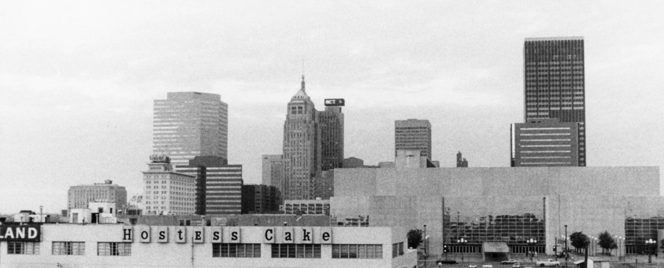 OKLAHOMA CITY / SKY LINE / OKLAHOMA:  No caption.  Staff photo by Doug Hoke.  Photo dated 11/18/1982 and unpublished.  Photo arrived in library 03/24/1983.