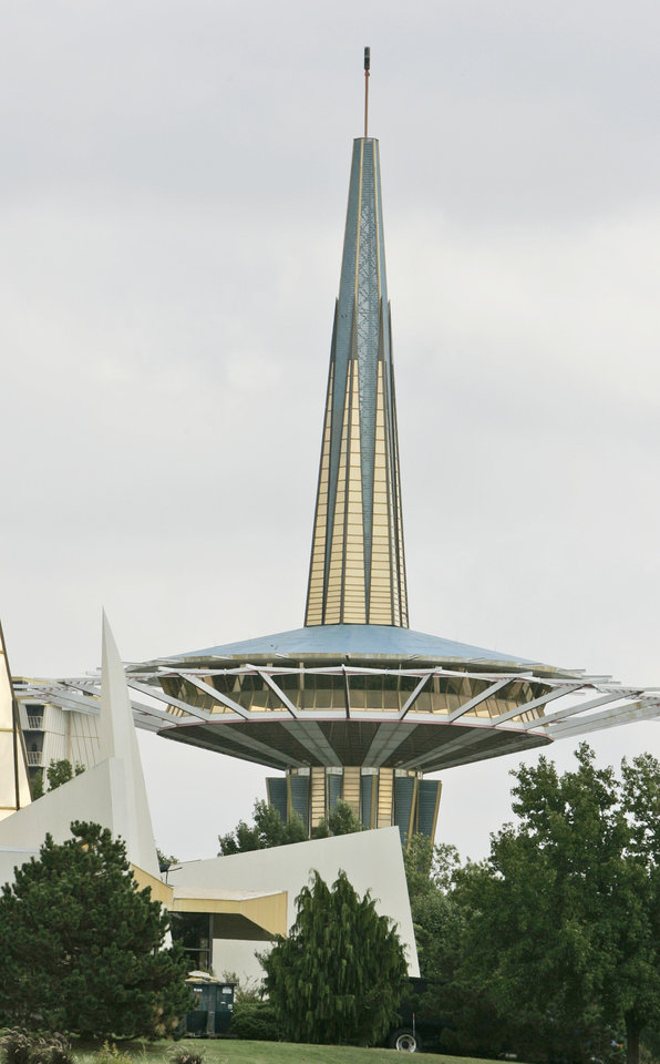Photo - In this Oct. 5, 2007 file photo, the prayer tower at Oral Roberts University looms over the campus in Tulsa, Okla. Evangelist Oral Roberts, who rose from tent revivals to found a multimillion-dollar organization and an Oklahoma university bearing his name, died Tuesday, Dec. 15, 2009. He was 91. (AP Photo/File)