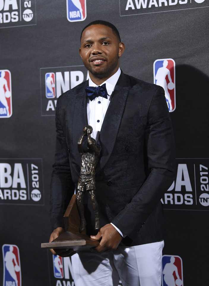 Photo - Kia NBA Sixth Man Award winner Eric Gordon poses in the press room at the 2017 NBA Awards at Basketball City at Pier 36 on Monday, June 26, 2017, in New York. (Photo by Evan Agostini/Invision/AP)