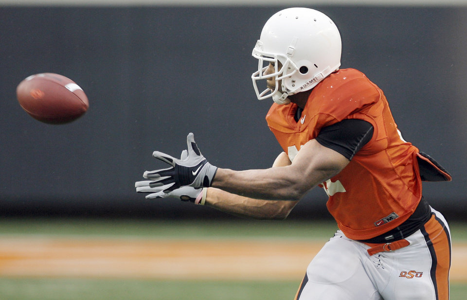 Photo - OSU's Jeremy Smith catches a pass during Saturday's game. Photo by Nate Billings, The Oklahoman