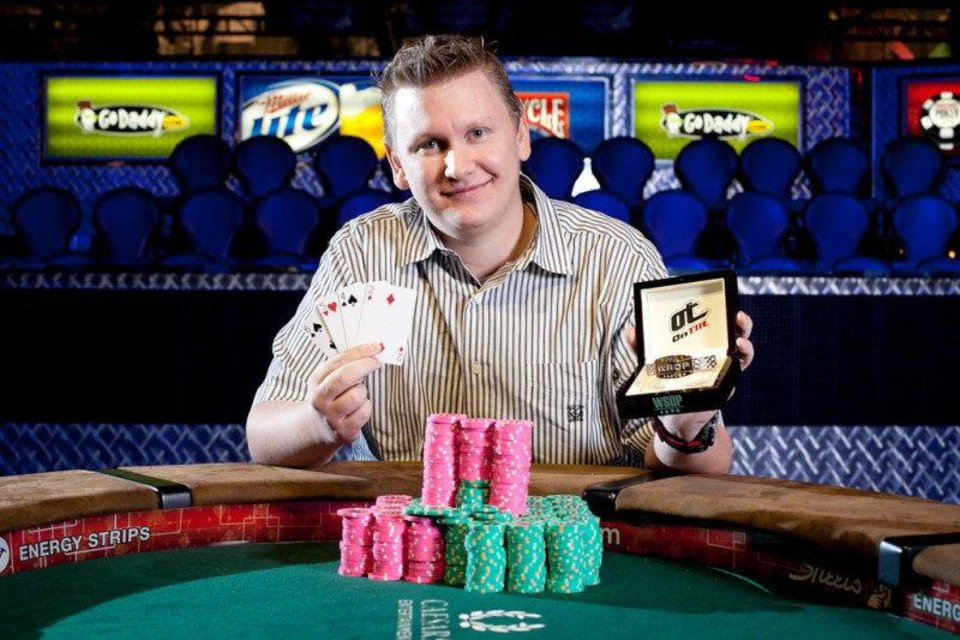 Photo - Tulsa's Ben Lamb with bracelet he won from $10,000 PLO championship (courtesy WSOP).