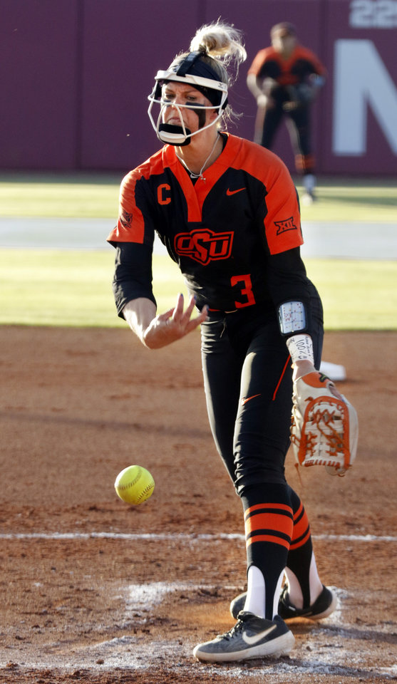 Photo - Samantha Show pitches in Bedlam softball as the University of Oklahoma Sooners (OU) play the Oklahoma State Cowboys (OSU) at Marita Hynes Field at the OU Softball Complex on  May 4, 2019 in Norman, Okla.  [Steve Sisney/For The Oklahoman]