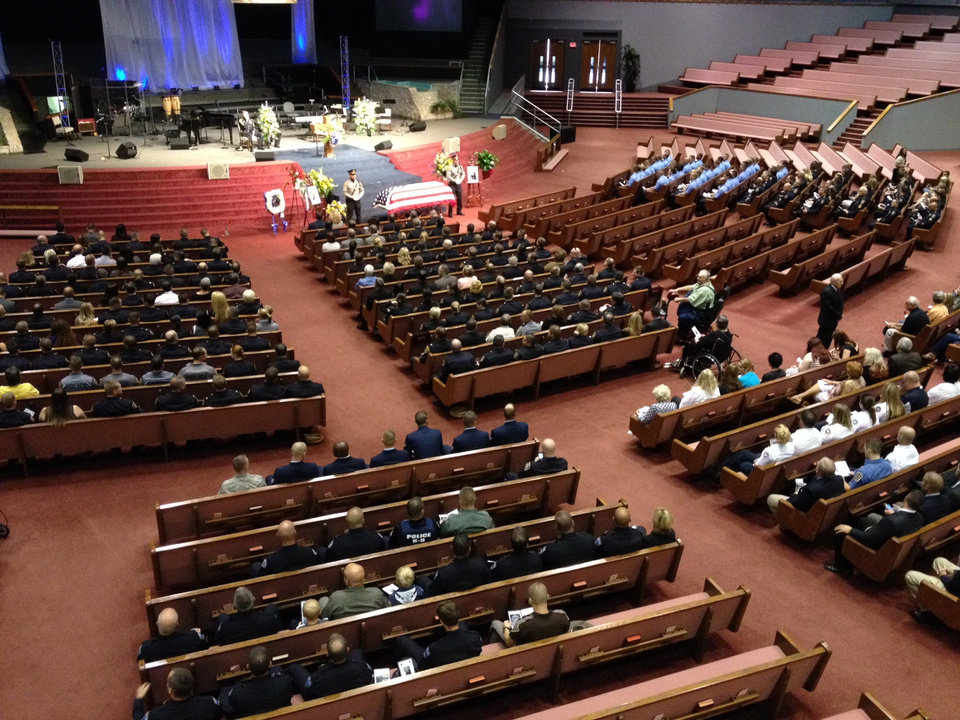 Photo - Hundreds of Oklahoma City, Oklahoma and federal officers attended Kye's funeral this morning. Photo by Steve Gooch