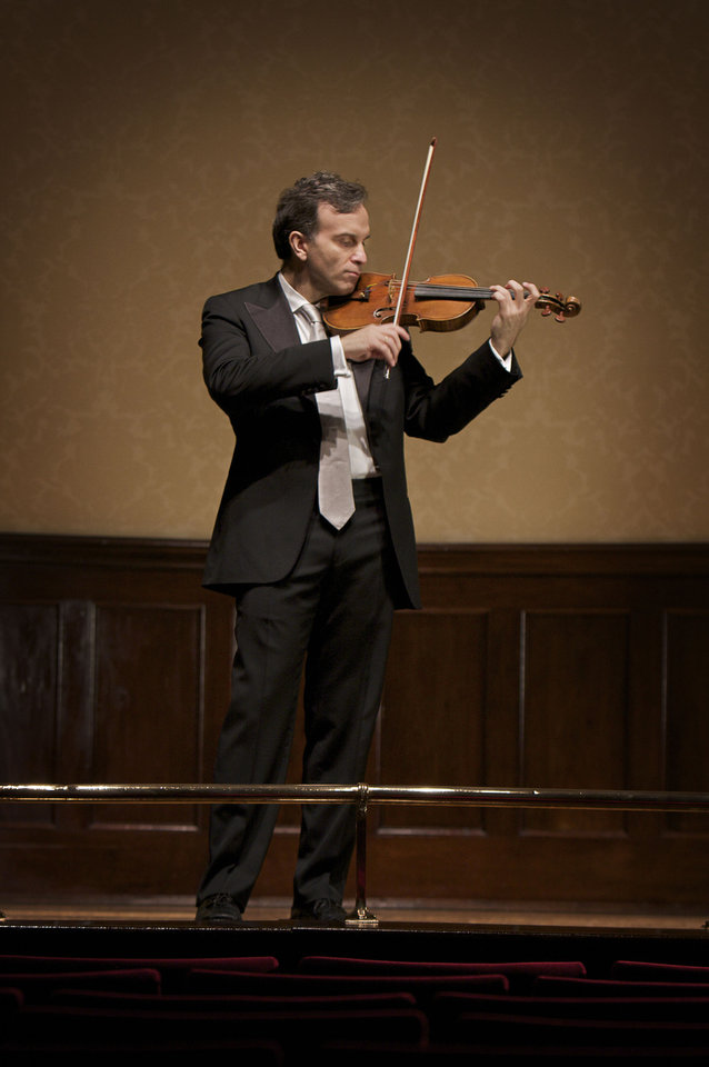 Photo - Gil Shaham. Photo by Arthur Ka Wai Jenkins.  Photo by Arthur Ka Wai Jenkins