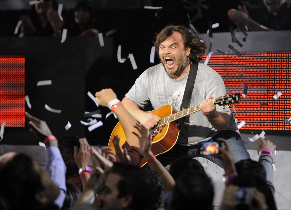 Photo - Jack Black, of musical group Tenacious D, performs on stage at Spike's 10th Annual Video Game Awards at Sony Studios on Friday, Dec. 7, 2012, in Culver City, Calif. (Photo by Chris Pizzello/Invision/AP)