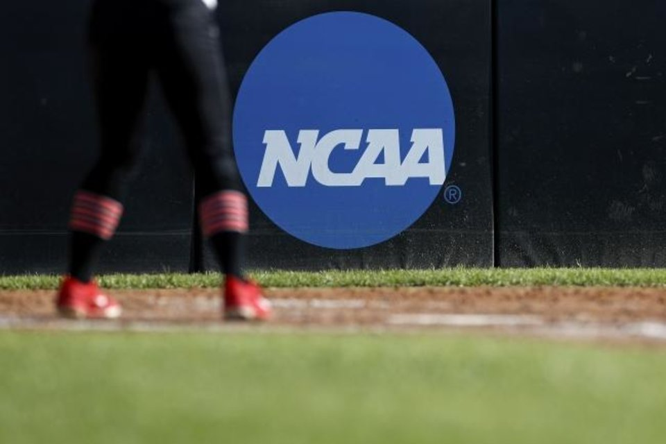 Photo -  The NCAA Division I Council approved new guidelines concerning waivers given to transfers. In many cases, more documentation and proof will be required before transfers will receive immediate eligibility at their new schools. [AP PHOTO]