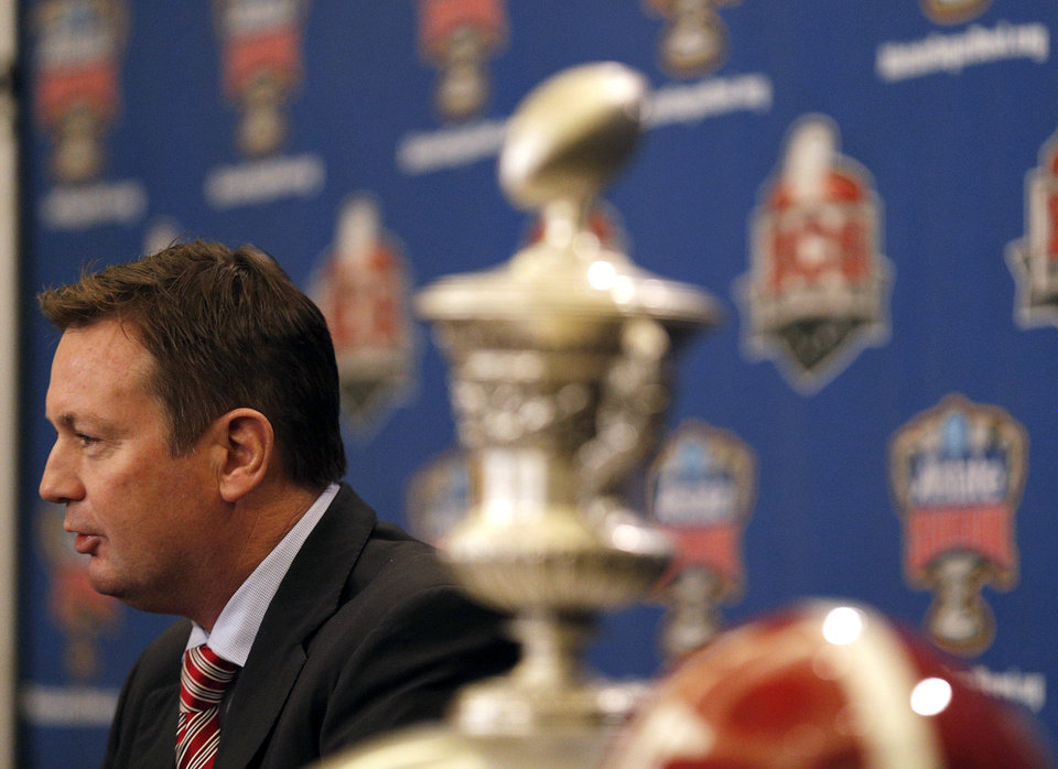 Photo - Oklahoma head coach Bob Stoops speaks during a press conference for the Allstate Sugar Bowl, Wednesday, Jan. 1, 2014 in New Orleans. Photo by Sarah Phipps, The Oklahoman