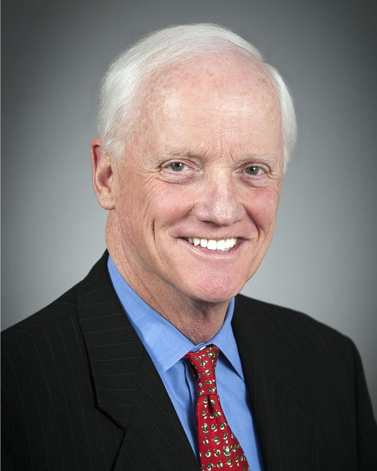 Photo - Former state Gov. Frank Keating       ORG XMIT: 1105242226356860