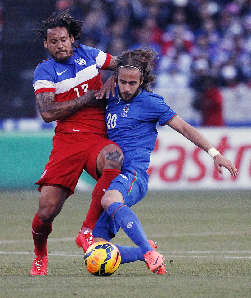 Photo - United States' Jermaine Jones battles against  Azerbaijan's Ufuk Budak during the first half of an international friendly soccer match on Tuesday, May 27, 2014, in San Francisco. United States won 2-0. (AP Photo/Thomas Mendoza)