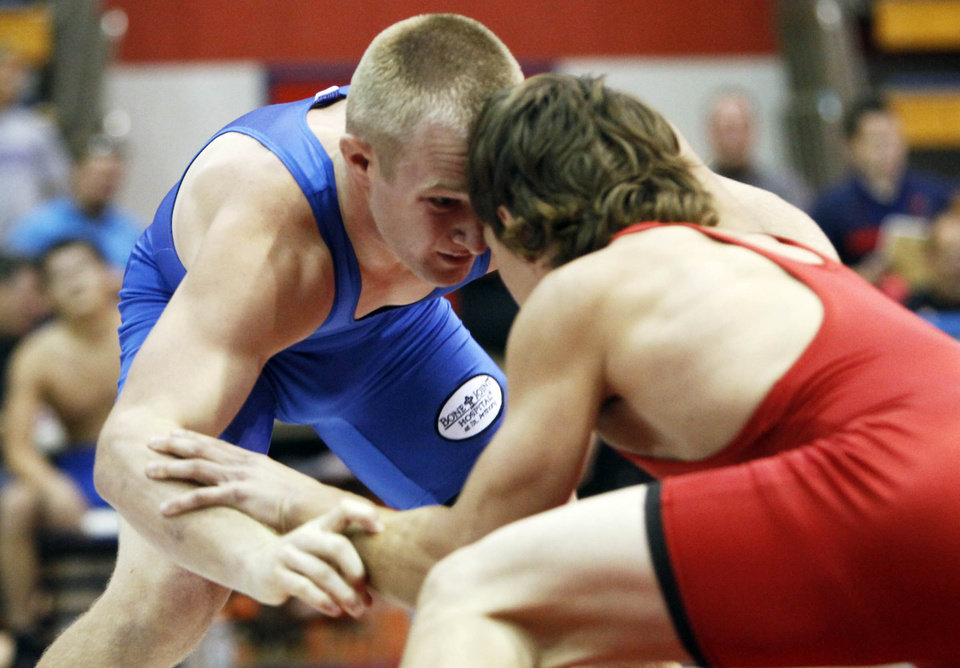 Photo - At 145 pounds, Tim Hamilton of Bartlesville faced off against Matt Wilhite of Altus in the 2012 All State wrestling match that was held at Bixby High School on July 25, 2012. KT KING/Tulsa World